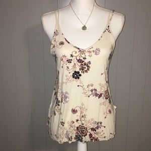 🌸Floral AE flowy tank with criscross back 💖